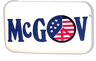"""1972 GEORGE MCGOVERN FOR PRESIDENT 1 1//4"""" BUTTON PINBACK B//W PHOTO"""